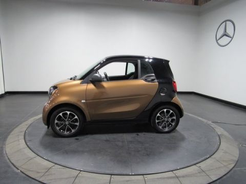 Certified Pre-Owned 2017 smart Fortwo